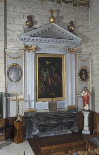 Ensemble de l'autel de saint Jean-Baptiste: autel, tabernacle, retable, 2 gradins d'autel, 2 degrés d'autel