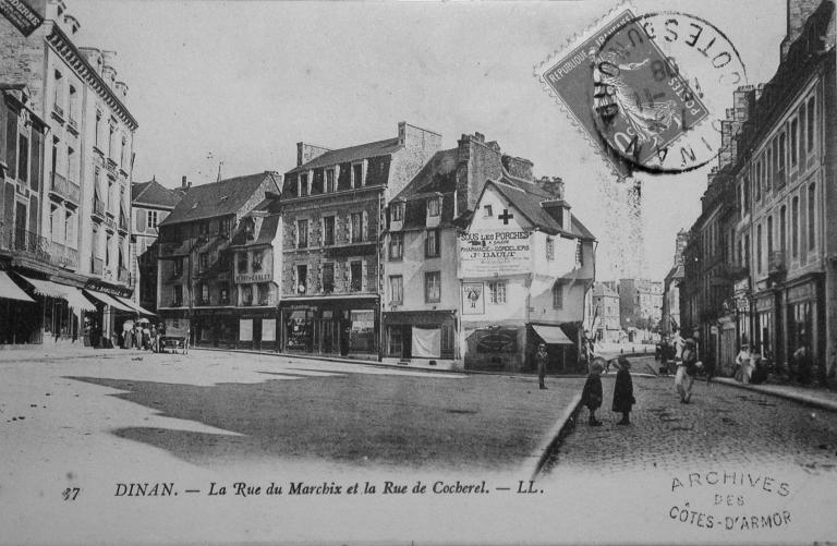 Usine de meubles Bameulle, actuellement immeuble à logements et magasin de commerce, 4 place du Marchix ; 8 rue du Colombier (Dinan)