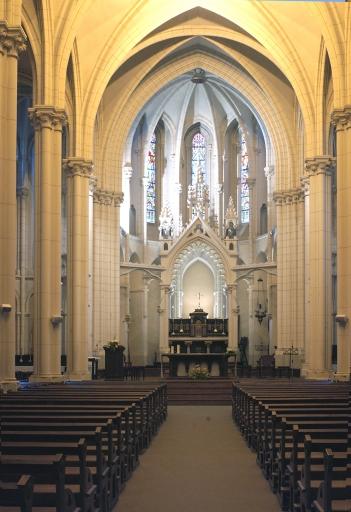 Ensemble du maître-autel: autel, tabernacle, exposition, baldaquin d'autel, 2 gradins d'autel, 3 degrés d'autel