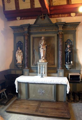 Ensemble de l'autel de sainte Anne: autel, tabernacle, gradin d'autel, retable, degré d'autel, antependium
