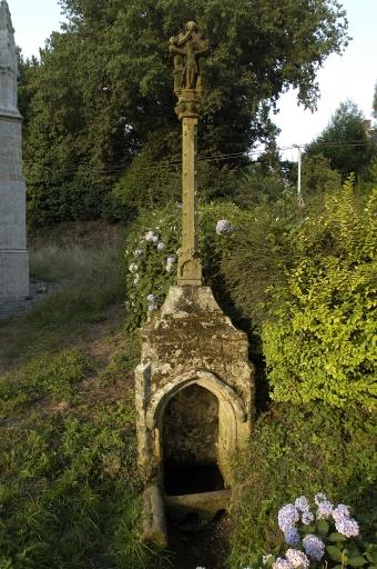 Fontaine de dévotion, Saint-Adrien (Saint-Barthélemy)