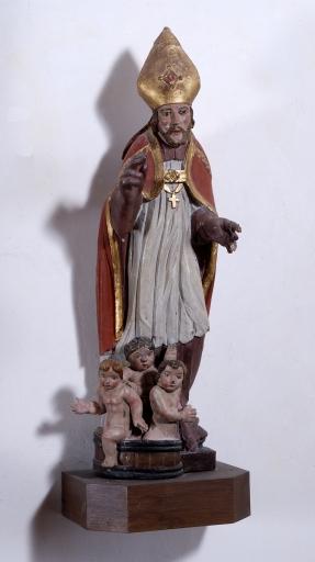 Statue: Saint Nicolas de Bari