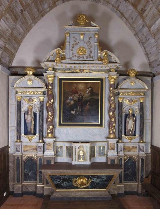 Ensemble du maître-autel: autel, tabernacle, gradin d'autel, degré d'autel, retable (Saint-Aubin-du-Pavail fusionnée en Châteaugiron en 2017)