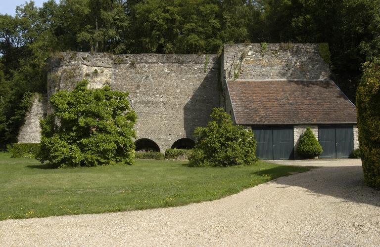 Présentation de la commune de Saint-Aubin-d'Aubigné ; Usine de chaux Chevrel, Lefilleul et Bestin, le Bois Roux (Saint-Aubin-d'Aubigné) ; Architecture artisanale, industrielle ou commerciale sur la commune de Saint-Aubin-d'Aubigné