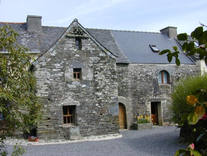 Maison dite ancien presbytère, Saint-Cadou (Sizun)