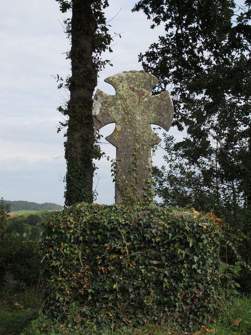 Croix de chemin, la Hiarnaie (Ruffiac)