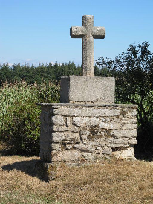 Croix de chemin, à l'est de la Ville Stéphant (Lizio)
