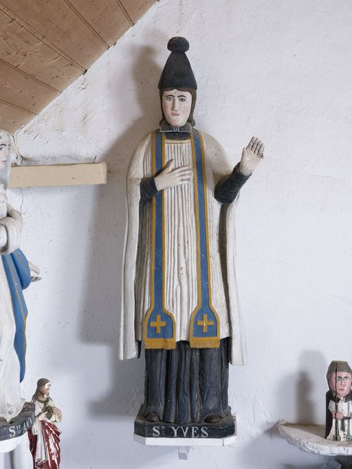 Statue: Saint Yves, chapelle Saint-Yves (Caro)