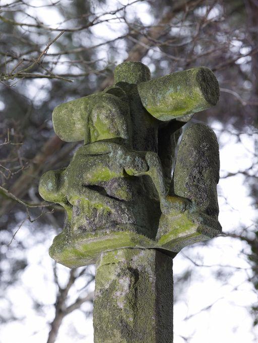 Croix de chemin, dite Croix du Fût, au sud de la Touche (Saint-Marcel)