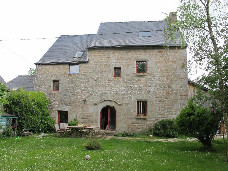 Présentation de la commune de Romagné ; Maison du Val (Romagné)