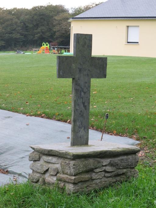 Croix de chemin, dite croix de Tardivel (Saint-Gravé)