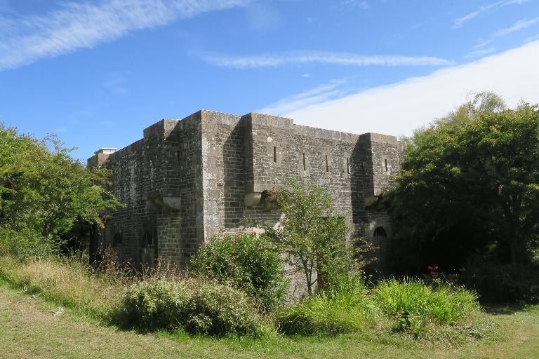 Corps de garde crénelé actuellement maison, Port Larron (Le Palais)