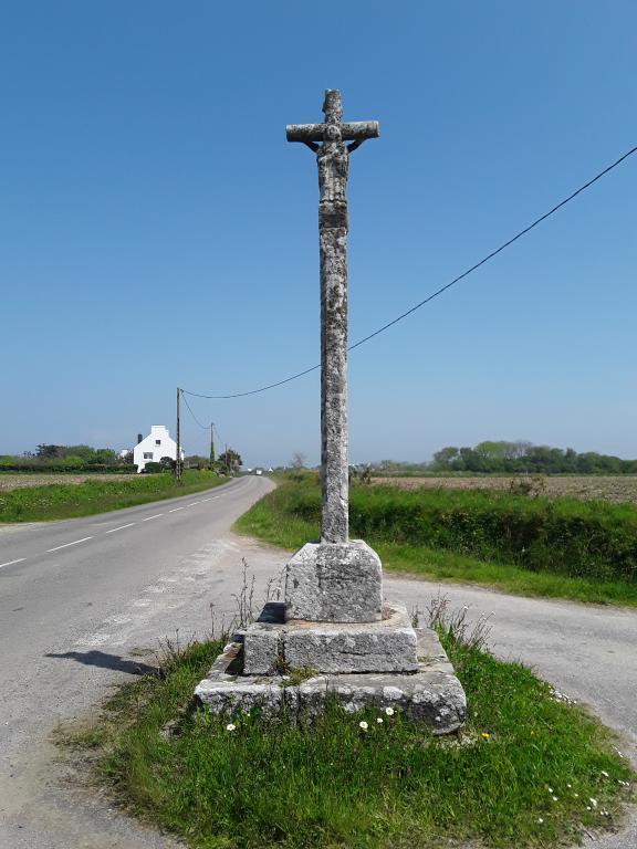 Croix monumentale dite de Trévénan ou Croaz Trévénan (Cléden-Cap-Sizun) ; Les croix monumentales (Cléden-Cap-Sizun)