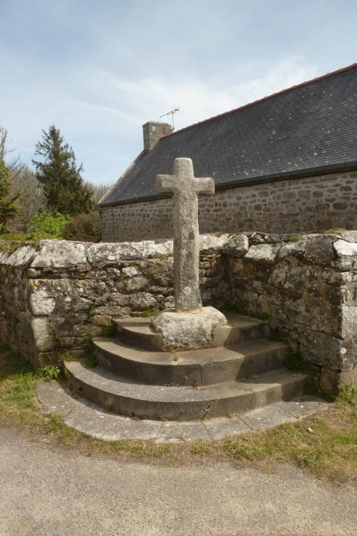 Croix monumentale dite de Kertanguy (Cléden-Cap-Sizun) ; Les croix monumentales (Cléden-Cap-Sizun)