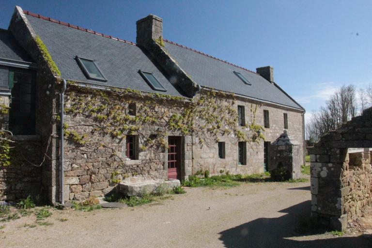 Les maisons et fermes (Cléden-Cap-Sizun)