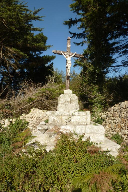 """Croix de chemin dite """"de Kerounou"""" (Primelin) ; Les croix monumentales (Primelin)"""