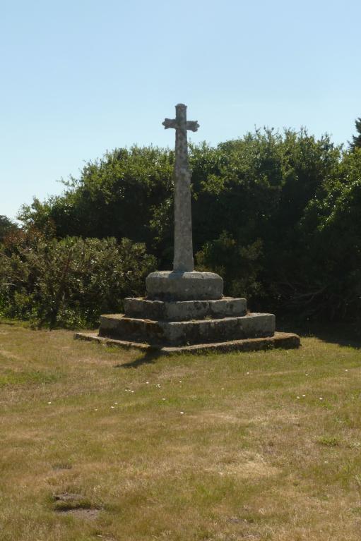 Croix monumentale, près de Kerboul (Esquibien fusionnée en Audierne en 2016) ; Les croix monumentales (Esquibien fusionnée en Audierne en 2016)