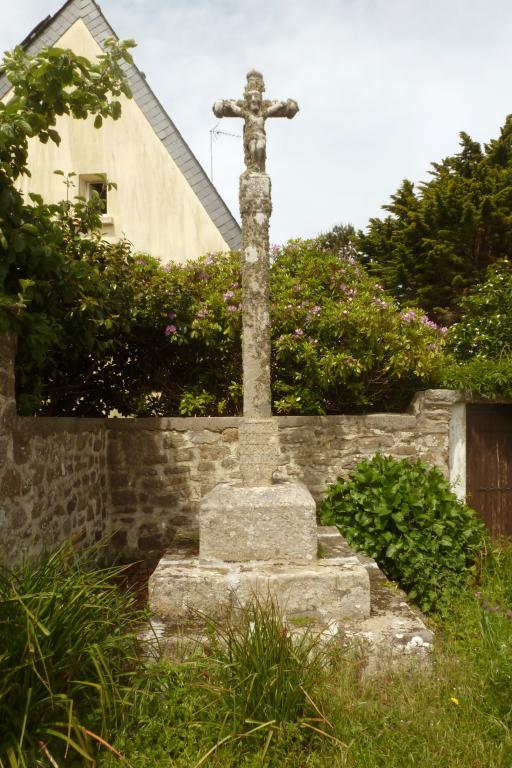 Croix monumentale, près de Kerhuon (Esquibien fusionnée en Audierne en 2016) ; Les croix monumentales (Esquibien fusionnée en Audierne en 2016)