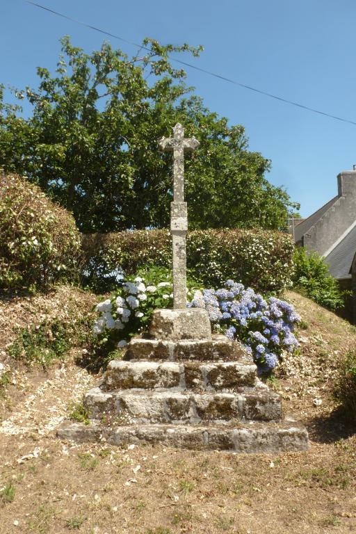 Croix monumentale, Trévenoen (Esquibien fusionnée en Audierne en 2016) ; Les croix monumentales (Esquibien fusionnée en Audierne en 2016)