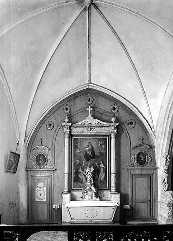 2 autels (autels secondaires de la Vierge et de saint Nicolas)
