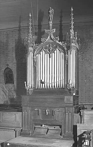 Harmonium, style néo-gothique