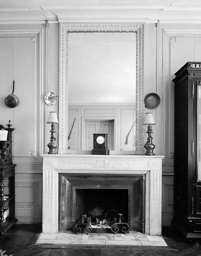 lambris de hauteur, cheminée (1)