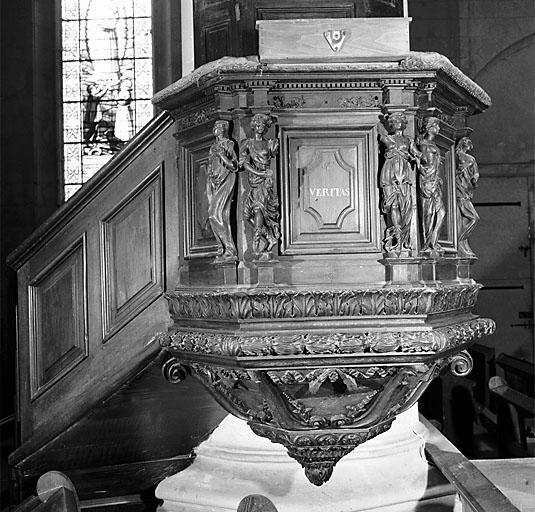 Chaire à prêcher (suspendu)
