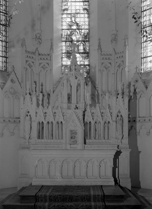 autels (2) ; tabernacles (2) ; retables (2)