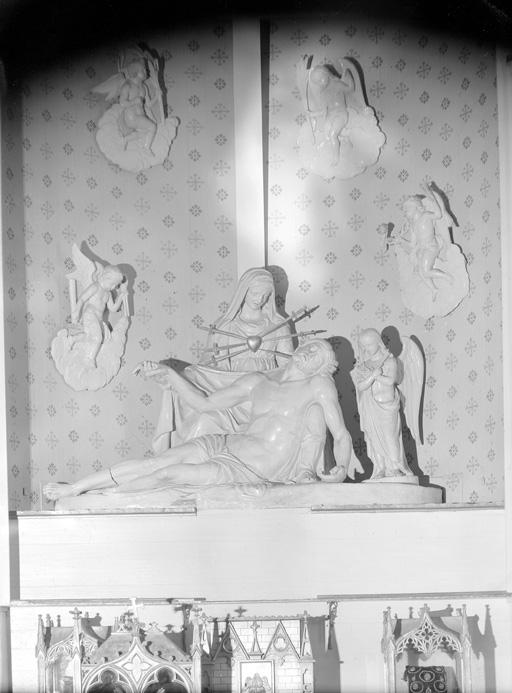 Groupe sculpté : la Déploration du Christ