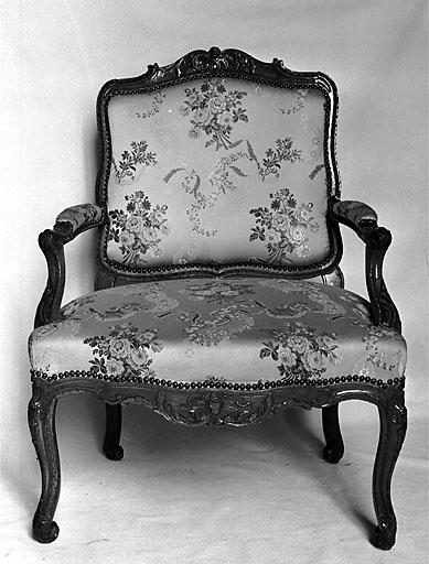 3 fauteuils à la reine, style Louis XV