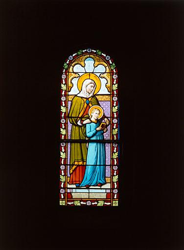 verrière : sainte Anne et la Vierge