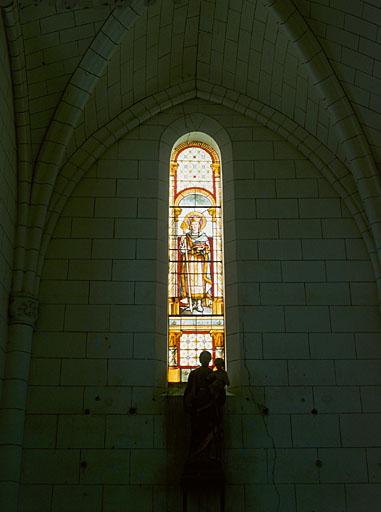 2 verrières figurées : sainte Jeanne de Chantal, saint Louis