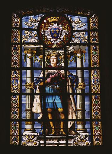 2 verrières figurées : saint Louis, Jeanne d'Arc (baies 113 et 114).