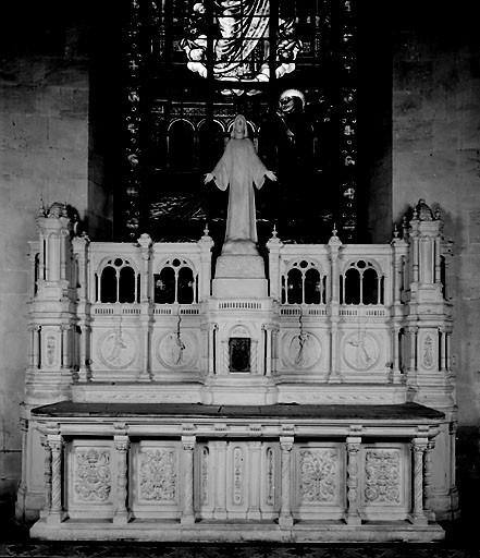 Autel, tabernacle, retable de la chapelle du Sacré-Coeur (autel tombeau, retable architecturé)