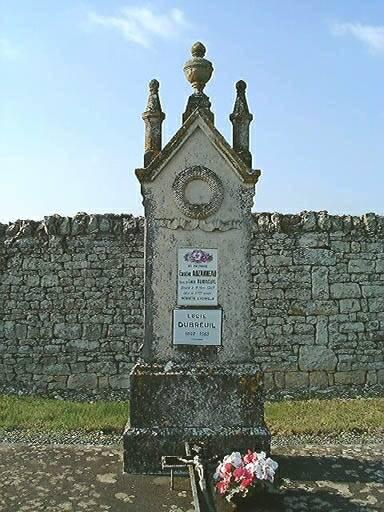 Tombeau d'Eugène Auzanneau