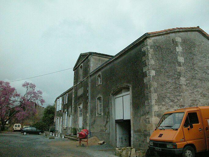 Distillerie d'alcool de betteraves Braconnier, puis Société coopérative de Panification, actuellement maison