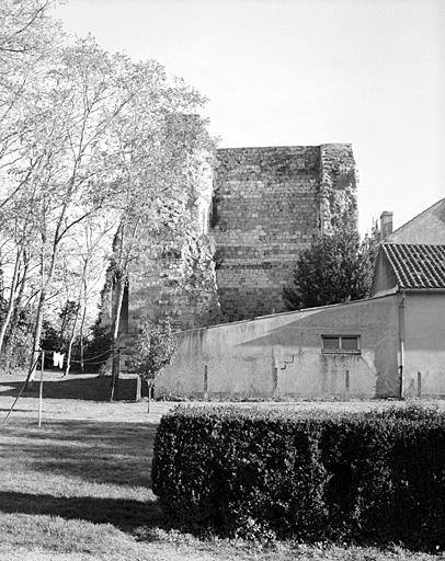 Château fort dit Château d'Espiens