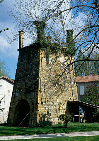 Usine métallurgique dite forge du Moulinet, moulin à blé, actuellement maison.