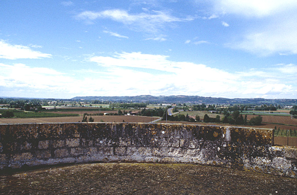 Fortification d'agglomération.