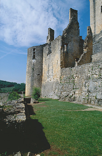 Château dit château-fort de Bonaguil.