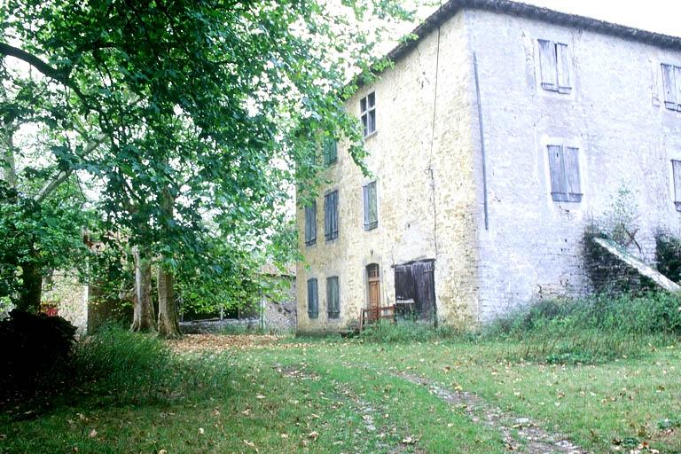 maison forte, puis maison de maître, actuellement ferme Larramendia