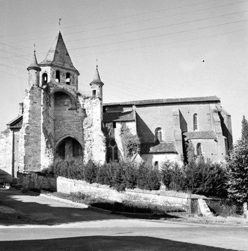 prieuré de bénédictins Saint-Pierre, actuellement église paroissiale