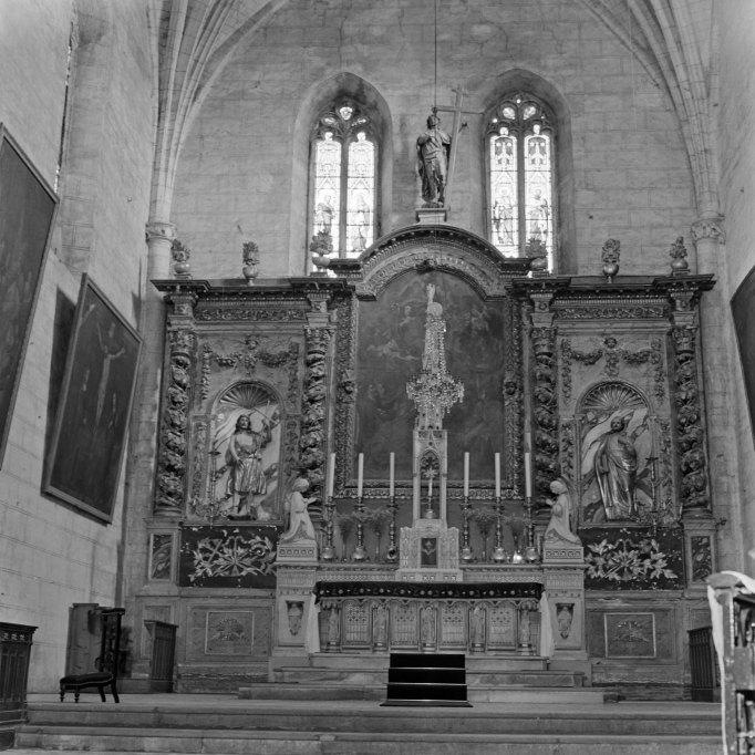 Le mobilier du prieuré de bénédictins Saint-Pierre actuellement église paroissiale