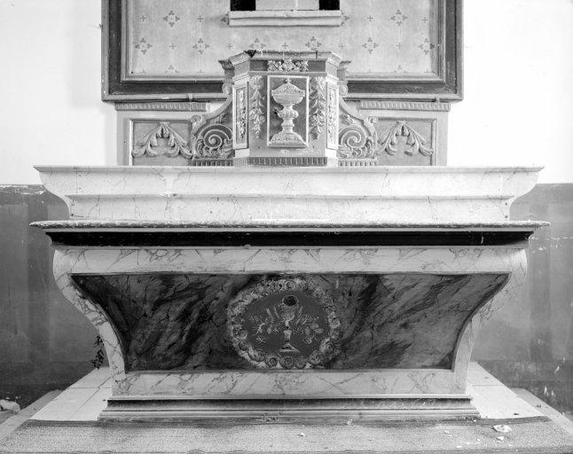 Autel, gradin d'autel, tabernacle (tabernacle à aile, autel tombeau chacune des ma