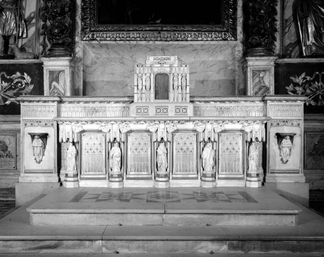 Autel (maître-autel), style néo-gothique