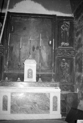 Retable, tableau, bas-reliefs (4) : Crucifixion, saint Pierre, Christ, saint Paul, Vierge