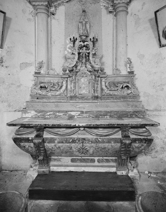 Autel, tabernacle (autel tombeau, tabernacle à aile)