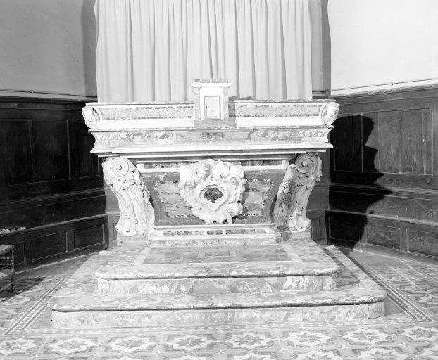 autel, gradin d'autel, tabernacle (autel tombeau)