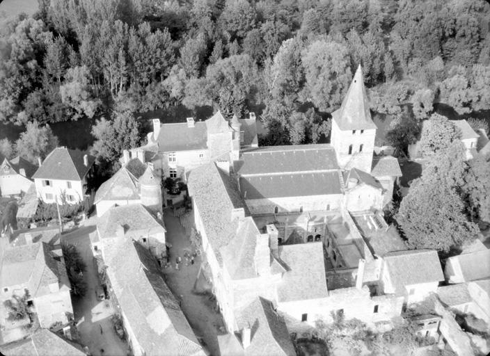 Prieuré-doyenné Saint-Pierre
