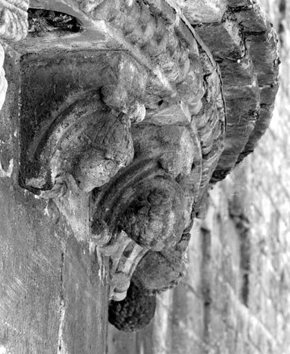 Modillons (2), de l'absidiole nord